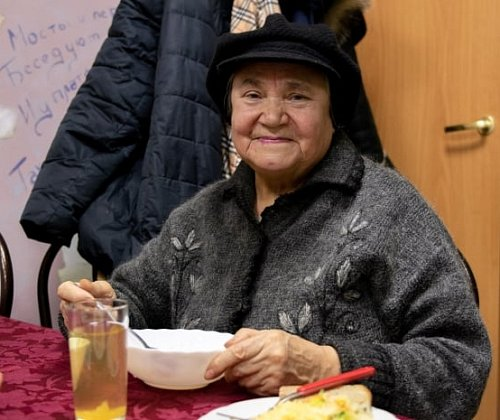 In St. Petersburg closed the café with a complimentary lunch for seniors